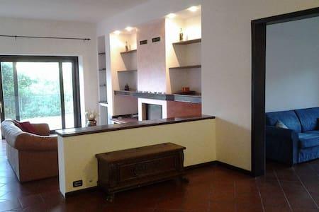 VEDUTA MOZZAFIATO SUL GRAN SASSO - L'Aquila - Villa