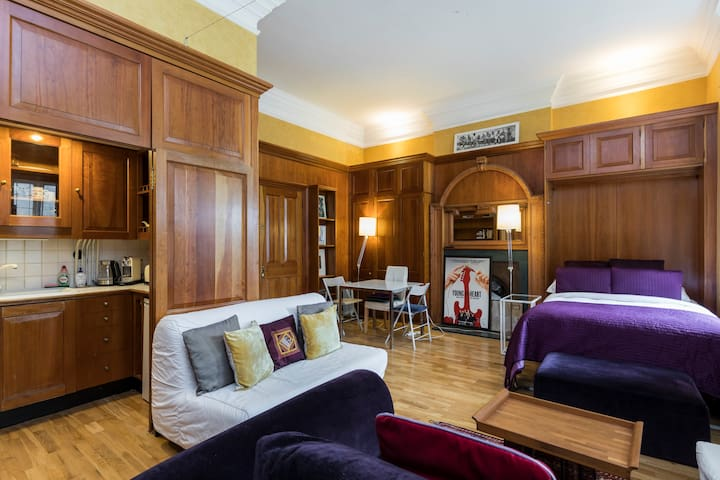 This spacious studio apartment is the perfect place to stay in London.