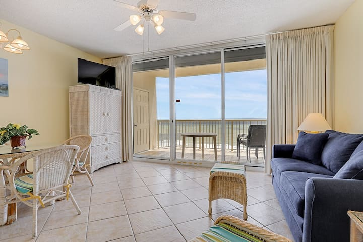 The Beach Club: 1 BR/1.5 BA with bunks, gulf-front