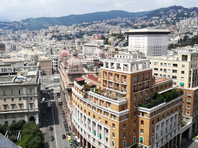 AD HOME-nel cuore di Genova (CITRA 010025-LT-0283)