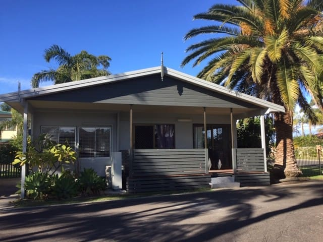 Sussex Palms Holiday Park Three Bedroom Cabin