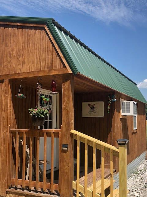 Hummingbird Hideaway Cabin