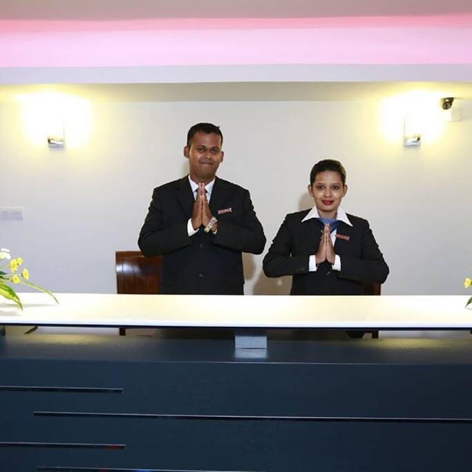 24hr Reception Service