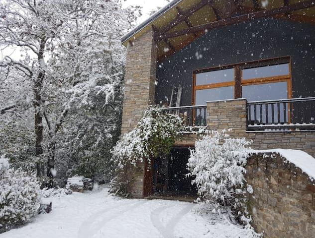 Maison ensoleillée et calme avec vue magnifique