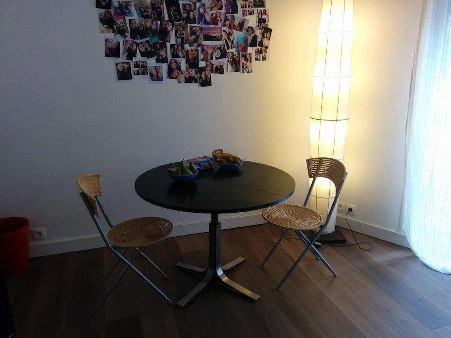 studio moderne proche montparnasse dans le 15e appartements louer paris le de france france. Black Bedroom Furniture Sets. Home Design Ideas