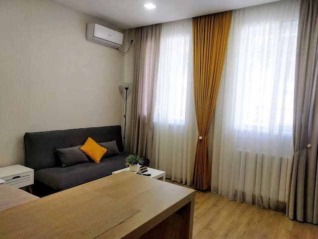 Studio Apartment In The Heart Of Tbilisi