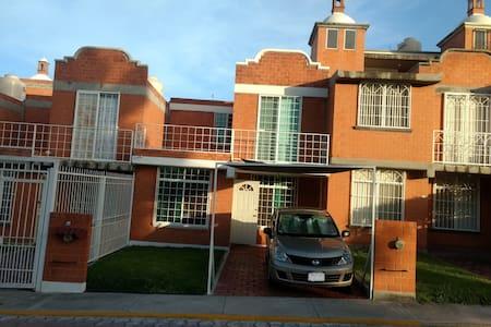 Casa Manantial III Jojutla Morelos alberca jardín