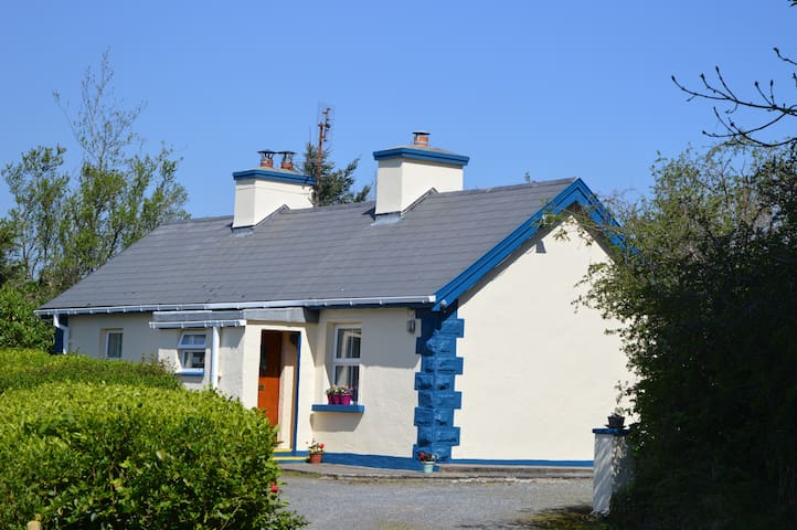 Wild Rose Cottage | South Donegal | Wifi available