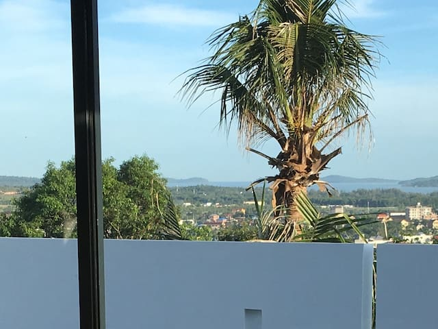 Architect modern villa with city and sea view - Krong Preah Sihanouk - Dům