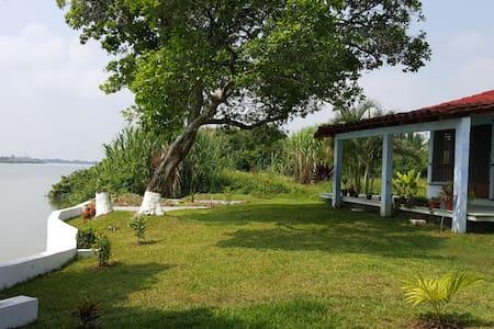 Hermosa casa frente Río Papaloapan - Heroica Veracruz