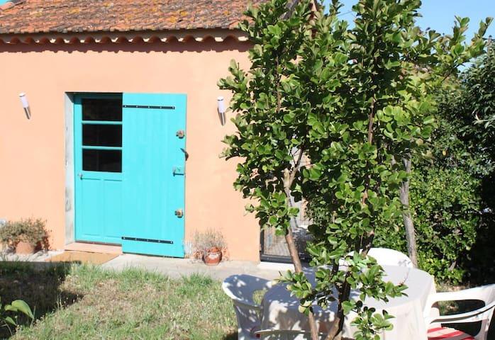 Appartement indépendant avec jardinet et parking - Pierrefeu-du-Var - Apartment