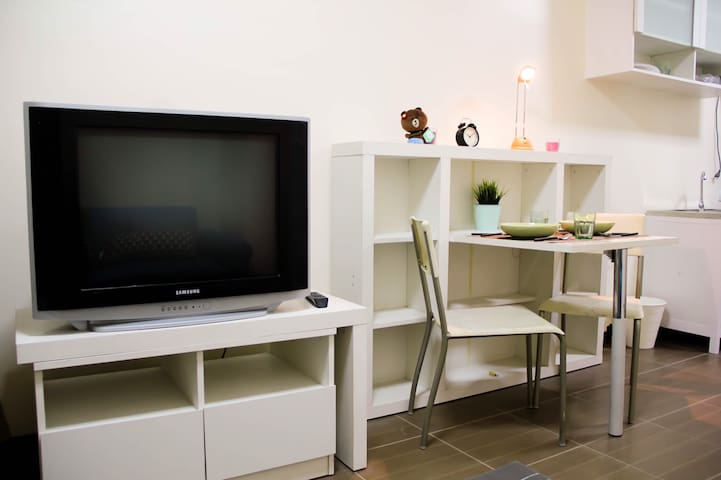 1 bedroom 40 sqm condo 10 mins from ON NUT BTS - Bangkok - Condominio