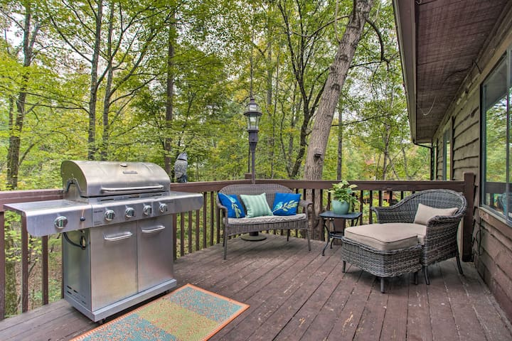 NEW! Cabin by Lake Lure, Chimney Rock & Asheville!