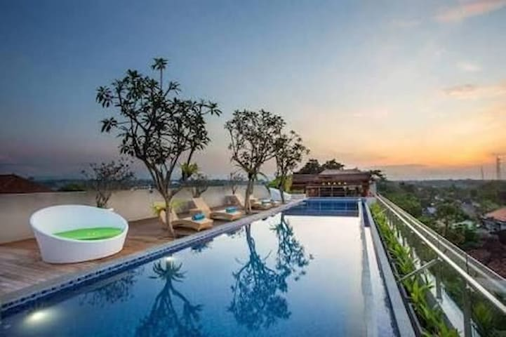 AUM Ubud Charming Hotel with Rooftop Swimming Pool