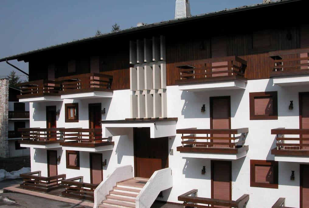 Appartamento panoramico a 500mt dal centro case in for Affitto asiago centro