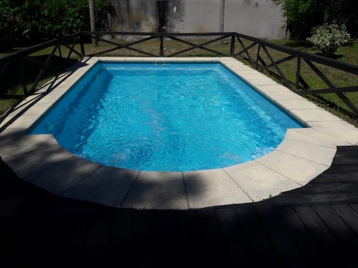 Hermosa Casa con Piscina Parque del Plata