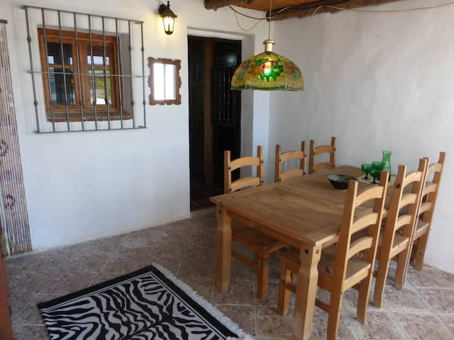 Charming rural and central 2 bedroomed Townhouse