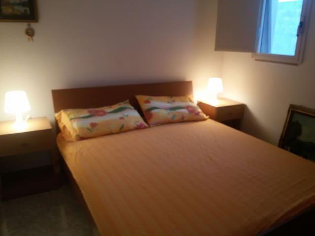 Accogliente bilocale - casa vacanza - Torre Dell'orso - Appartement
