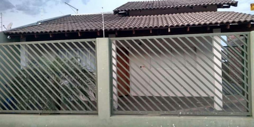 Excelente Casa mobiliada  em Jacarezinho prox IFPR
