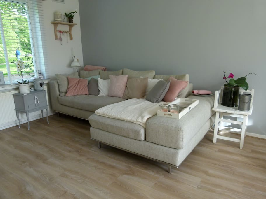Lovely livingroom with access to garden