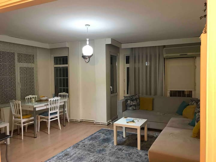 A home in Bostancı, special room and safety flat