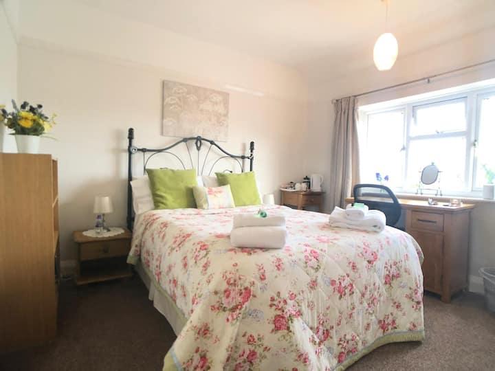 beautiful bedroom with Garden