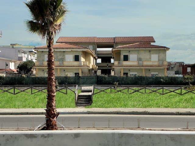 Trilocale 309 a ridosso della spiaggia - San Ferdinando - Apartment