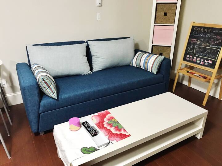 Clean and Comfy 2 Bedrooms Suite