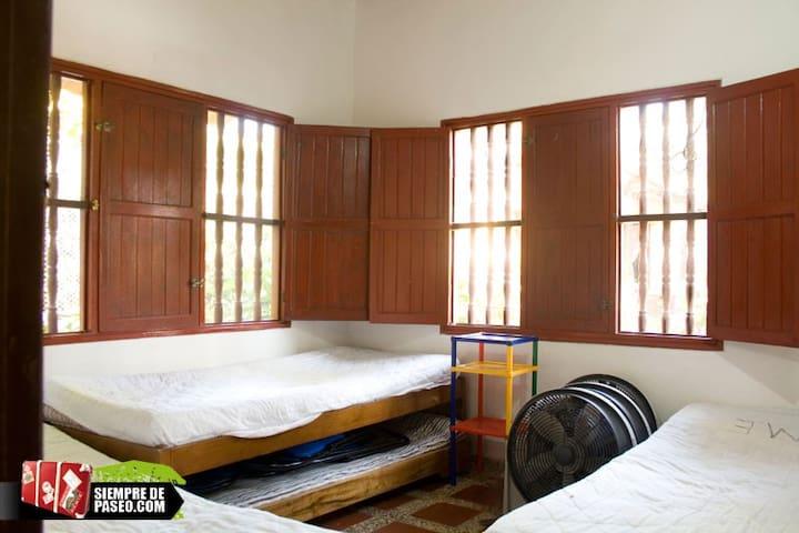 cabaña en coveñas para  9 personas maximo - Coveñas - Stuga