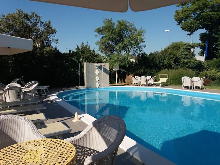 Relais Villa Roncuzzi - Deluxe Room Gufo Grigio