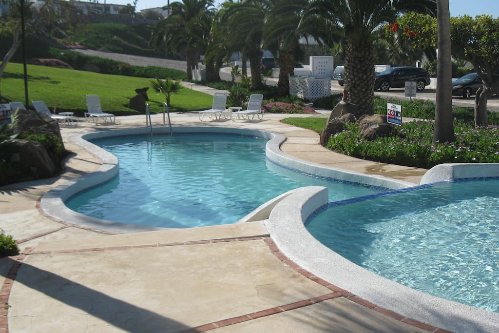 Plaza Del Mar pools/ playgrounds