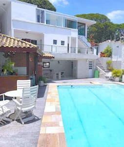 Comfortable suite in prime neighborhood with pool