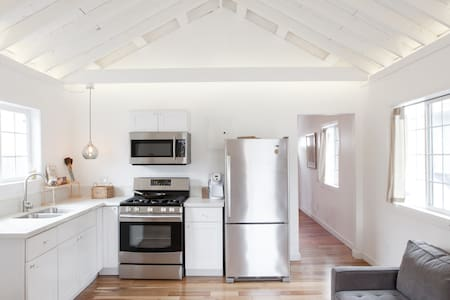 Remodeled PRIVATE HOME -  Near DTLA - Los Angeles