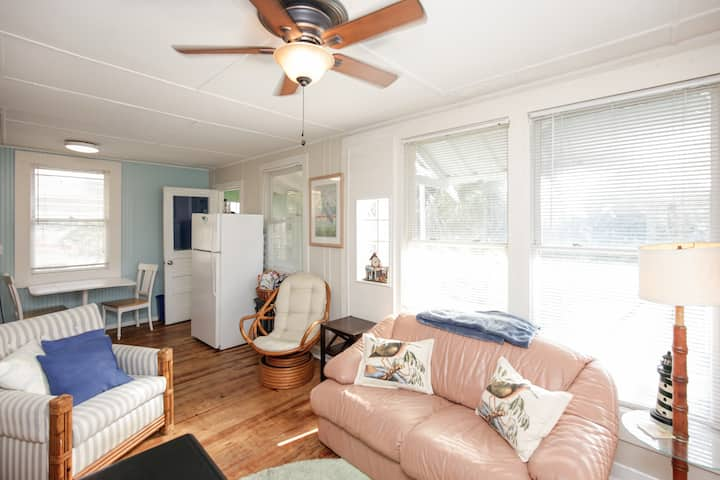 NSB Break Beach House-E  1B/1B