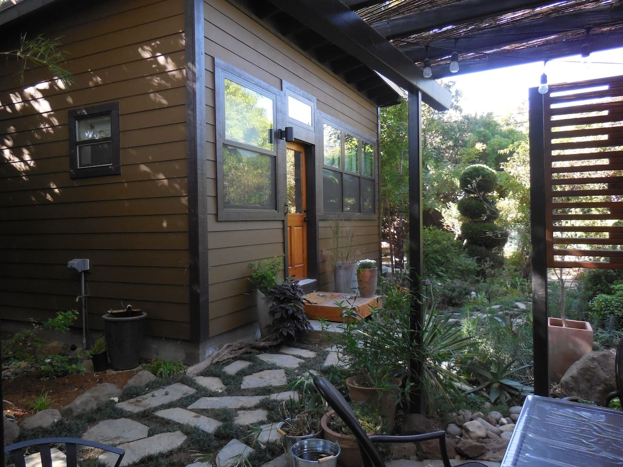 Beautiful Garden Cottage - tiny house, brand new! Snuggled into a large garden.