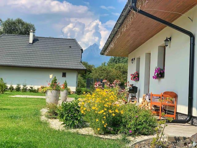 Beautiful  Single family home with panoramic views