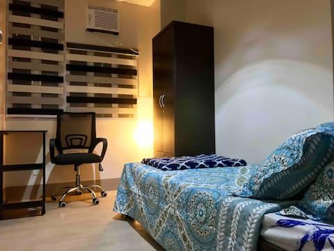 Charming Chic Cozy Private Room in a Condo