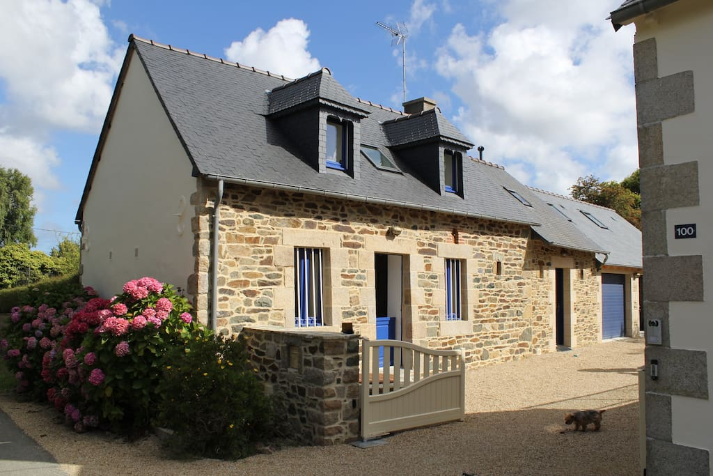 Superbe maison au calme a paimpol houses for rent in for Au maison oilcloth uk
