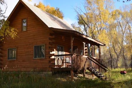 Cabin along San Juan River - Pagosa Springs - 통나무집