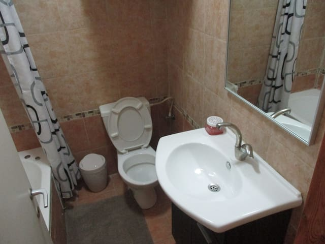 Nice apartment in the center of the country - Petah Tikva - Apartamento
