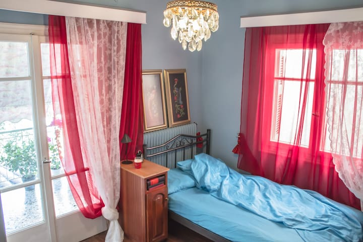 3 Private Rooms | Cosy flat with view of  Athens - Psychiko