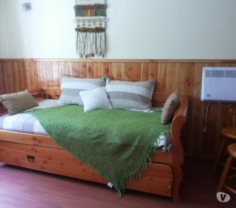 Sala de estar, cómoda cama nido