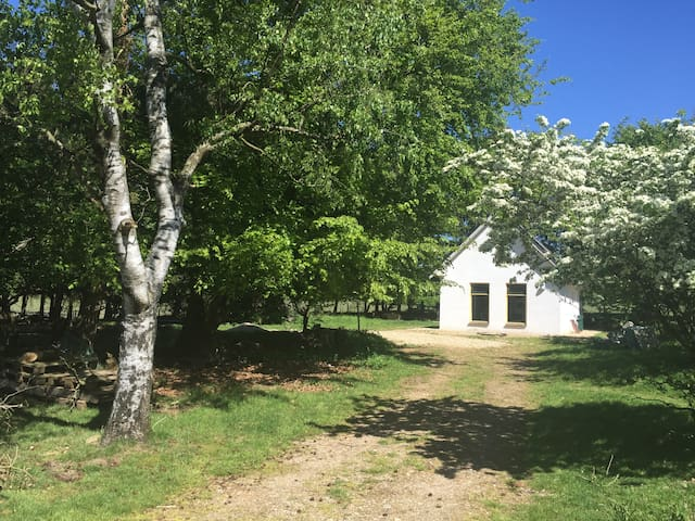Spacious cottage with private parking and beautiful starting point for hikes and MTB.