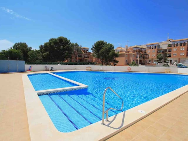 Lovely Apartment in playa flamenca near boulevard