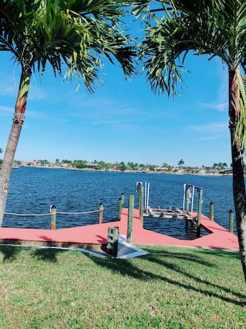 3 bed, 2 bath, pool home on gulf access 8-lakes.