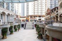 欧式下沉式大广场商业中心