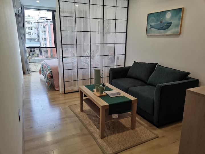 桃源森林公寓七号线地铁口山景落地窗