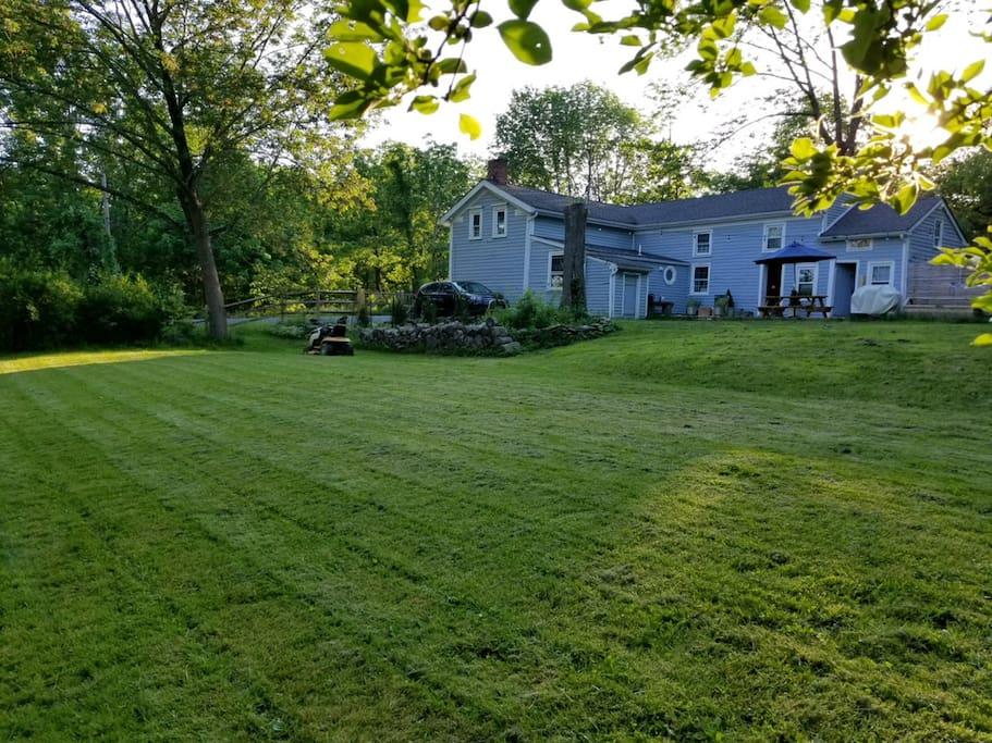 Huge garden. 4 acres. Outside dining