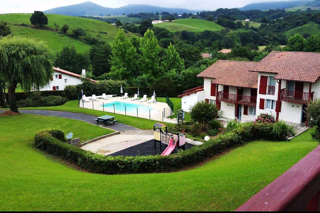 Logement avec piscine dans le pays basque 1 for Camping avec piscine pays basque