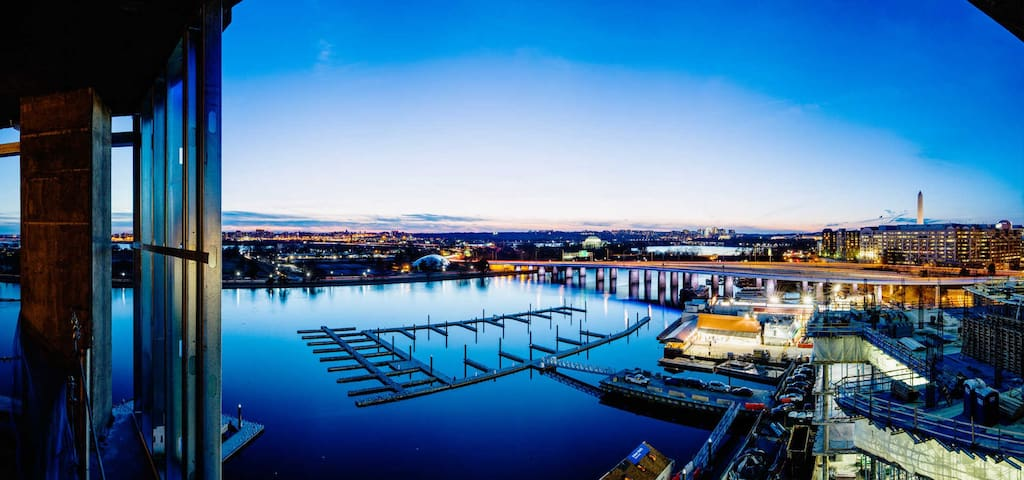 Gorgeous D.C. Condo with a Perfect Water View